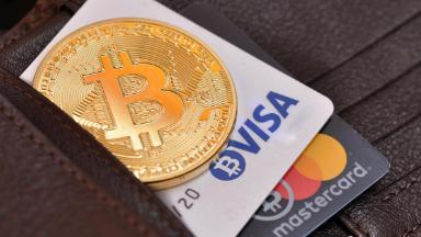 Потратил «баксы» – вернул «крипту». Visa выпускает кредитку с кешбэком в биткоинах
