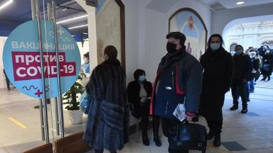 Снимать маски и ходить в магазин — только по паспорту. Какие льготы и скидки полагаются за прививку от коронавируса?