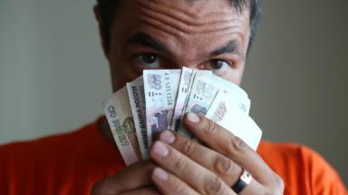 Кому в кризис работать хорошо? Средние зарплаты поднялись до 47 649 рублей