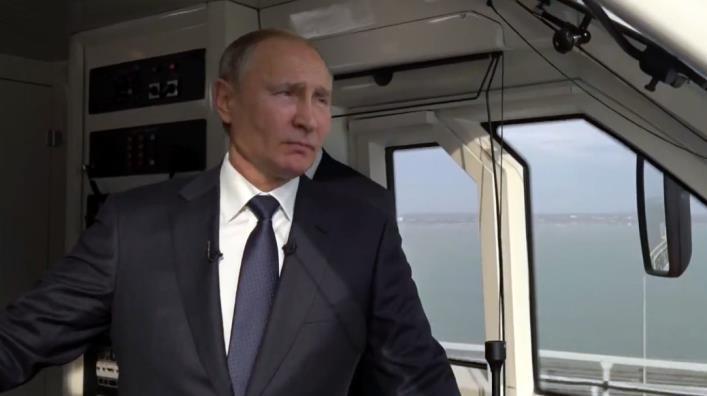 Крым наш теперь и вместе с железной дорогой