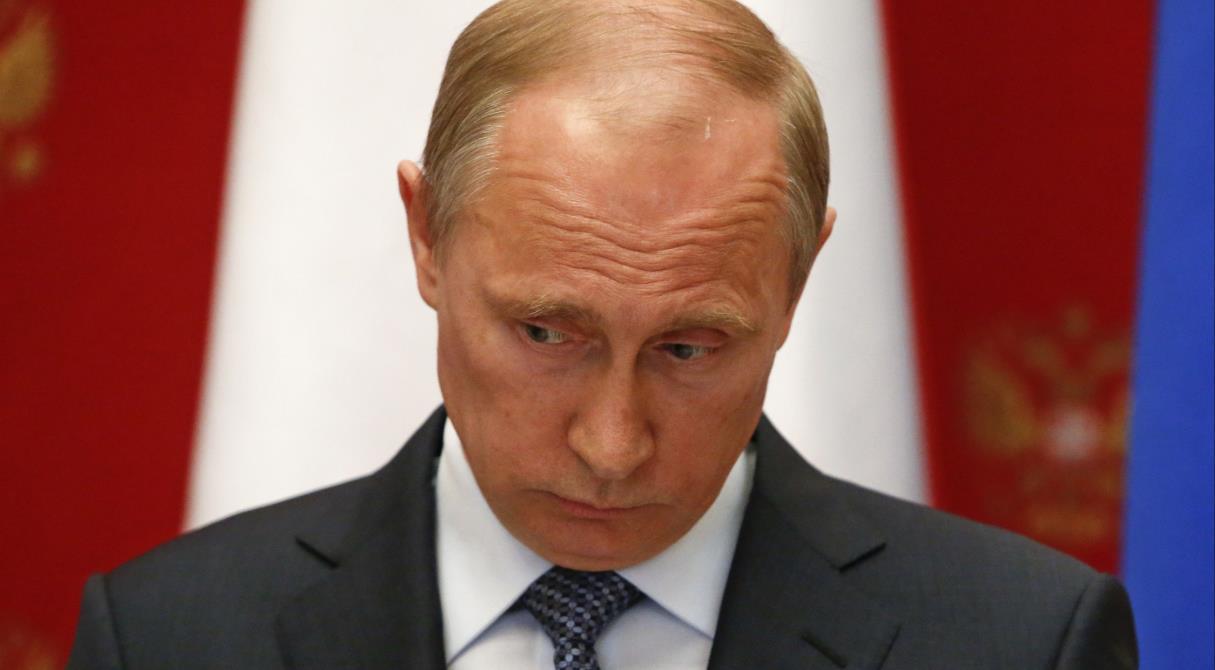 Сократить Путина... в расходах. Бюджет оптимизируют за счёт президента