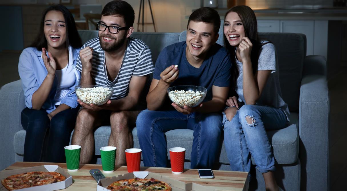 Кино, баллы и снэки. Сбербанк запускает акцию с повышенным «Спасибо» от Delivery club, Okko, «Ситимобил» и «СберМаркет»