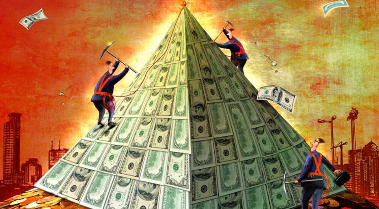 «Верхи ликуют, низы в пролёте». Российские банки — финансовая пирамида?